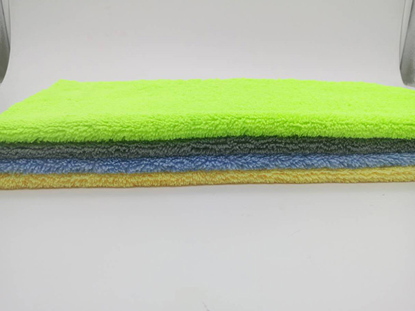 Plush or Ultra Plush Microfiber 30x60cm 380gsm